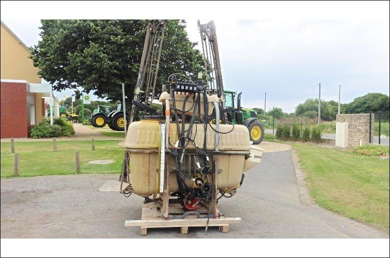 Tractor-mounted sprayer Aguirre 1eqp1000 - 1