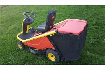 Lawn tractor Wolf A80b - 2