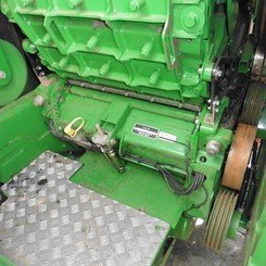 Self-propelled forage harvester John Deere 8400 - 8