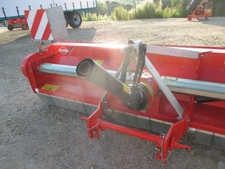 Horizontal axis shredder Kuhn RM 320 - 8